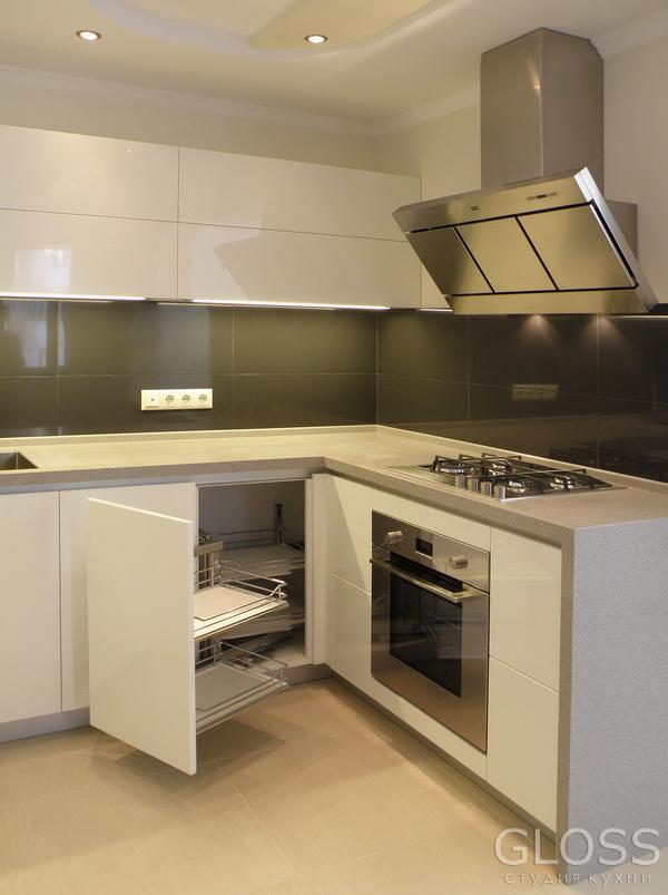 Кухня-углавая-крашенная-МДФ-столешница-из-искусственного-камня-6