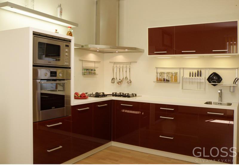 Кухня-углавая-фасады-из-МДФ-покрытое-высокоглянцевым-пластиком-столешница-из-искусственного-камня-1