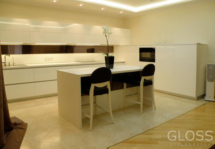 Кухня-углавая-фасады-крашенные-столешница-из-искусственного-камня-с-подсветкой-и-островом-3